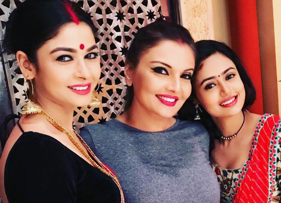 Mai Bhi Ardhangini Female Star Cast