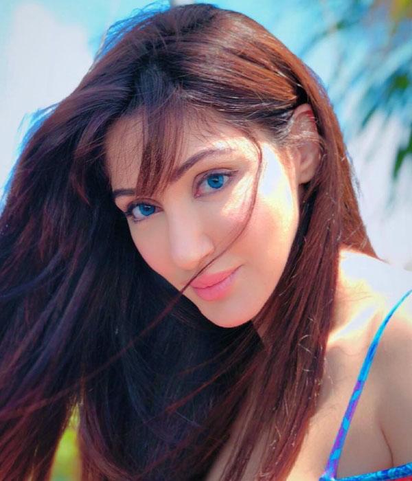 Reyhna Malhotra, Man Mohini Serial Lead Actress