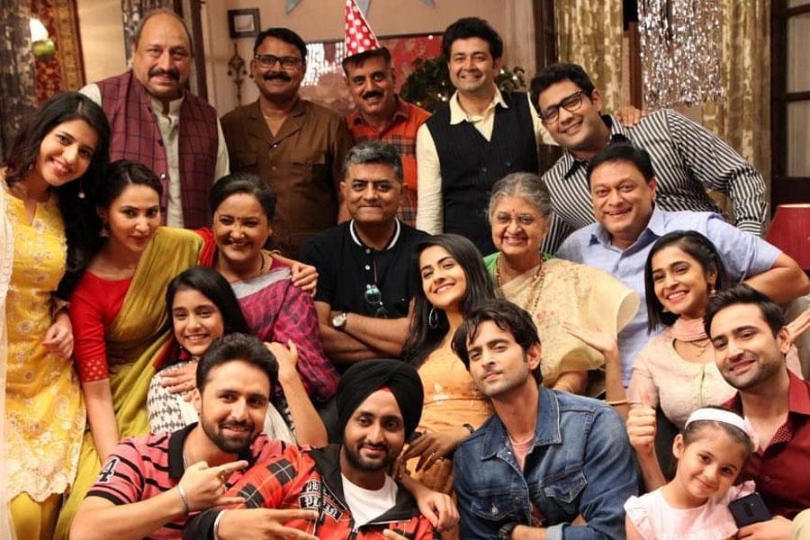 Ishaaron Ishaaron Mein Star Cast and Crew