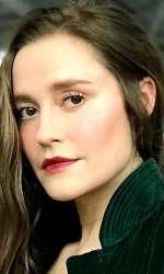 Stephanie Van Dyck 25