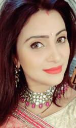 Aleeza Khan 55