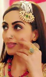 Monica Khanna 28